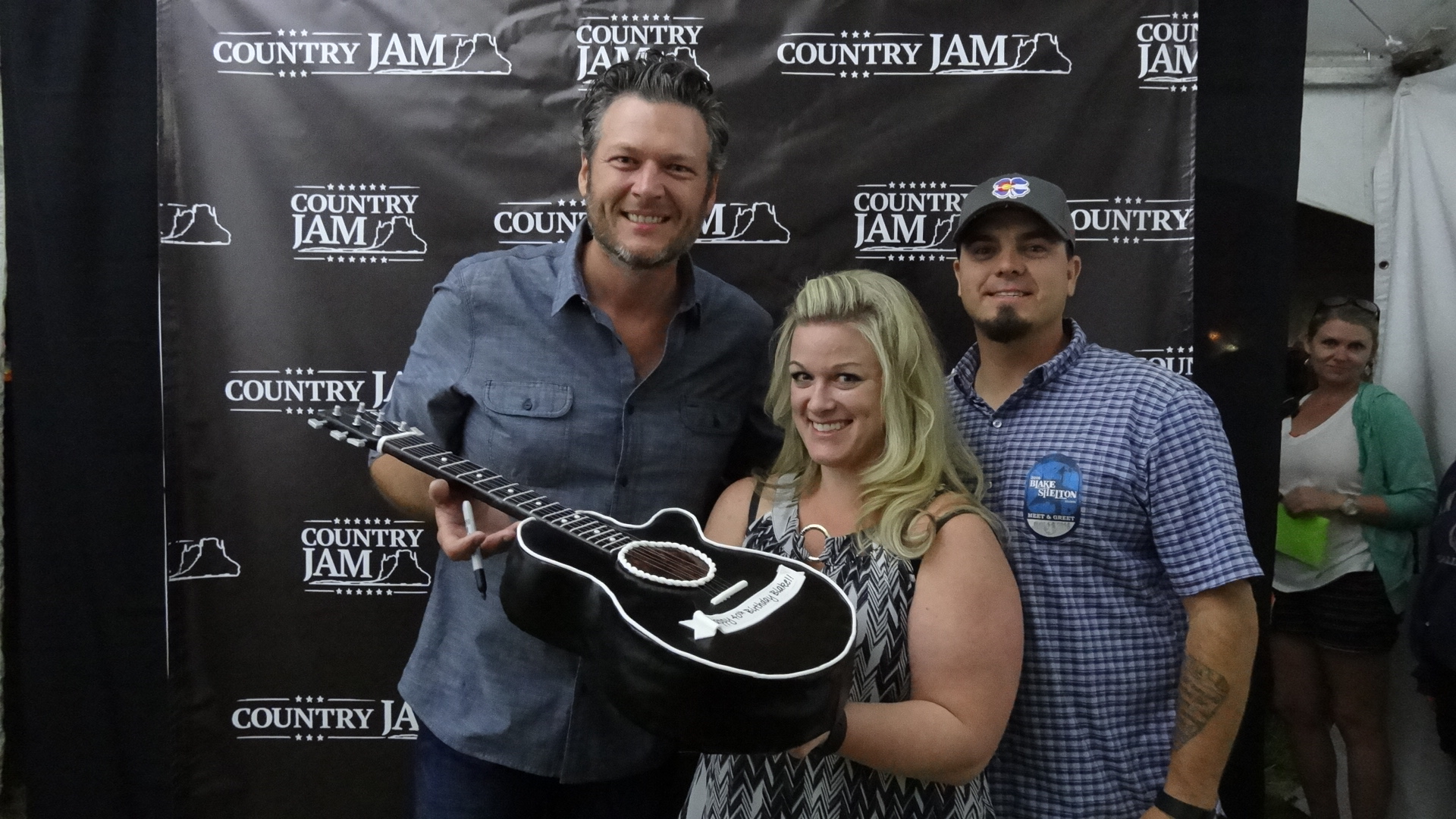 Blake shelton meet greet photos at country jam 2016 country jam blake shelton meets with fans backstage before his show at country jam 2016 kristyandbryce Image collections