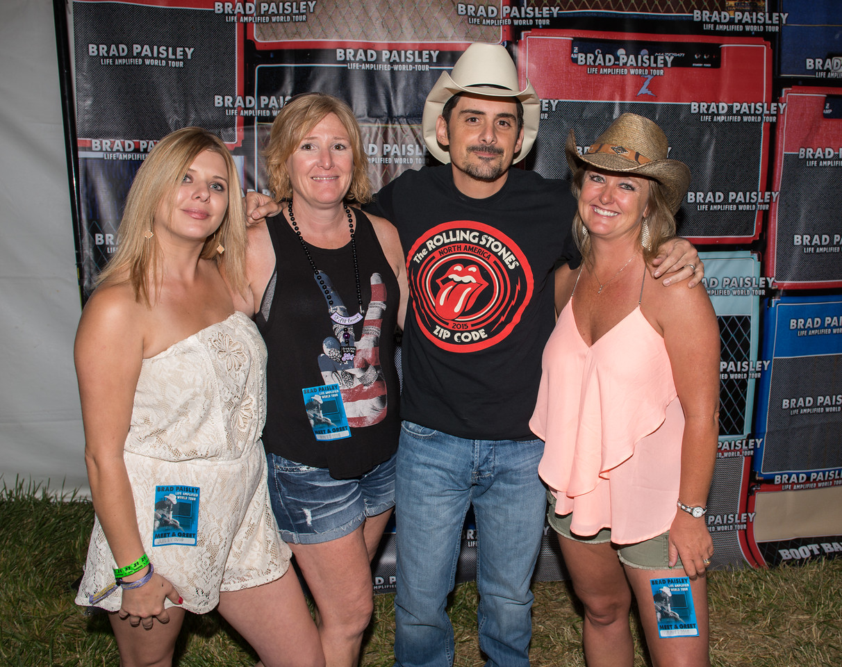 Brad paisley meet greet photos at country jam 2016 country jam brad paisley takes pictures with fans backstage before his show at country jam 2016 m4hsunfo