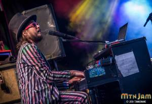 20160602_MountainJam_MarcoBenevento_Performance_Timmermans_0980