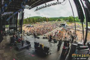 20160603_MountainJam_Nahko_Performance_Timmermans_0519