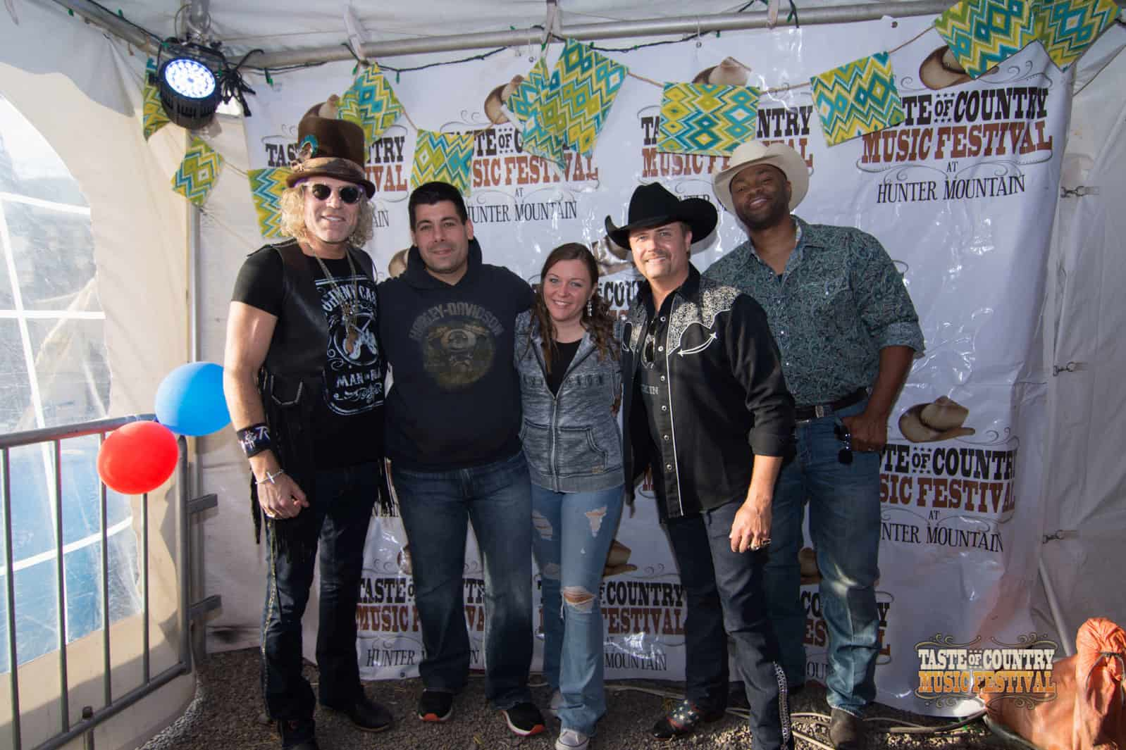 Photos Meet And Greet With Big Rich Taste Of Country