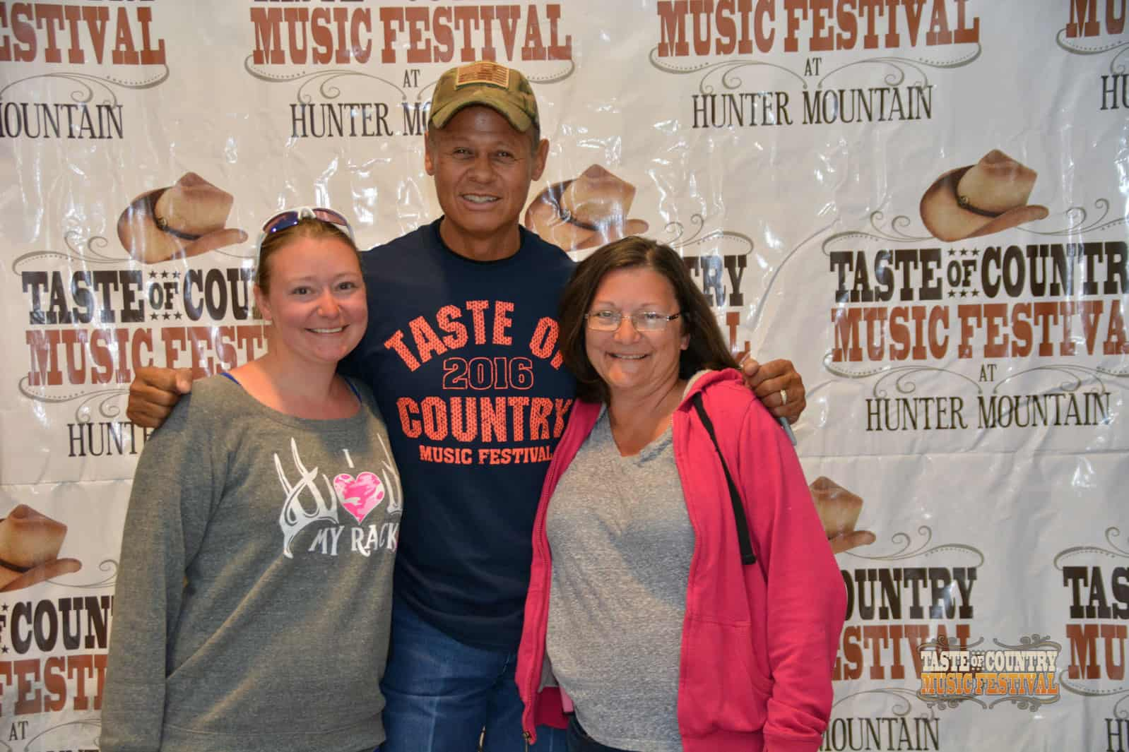 Photos Meet And Greet With Neal Mccoy Taste Of Country