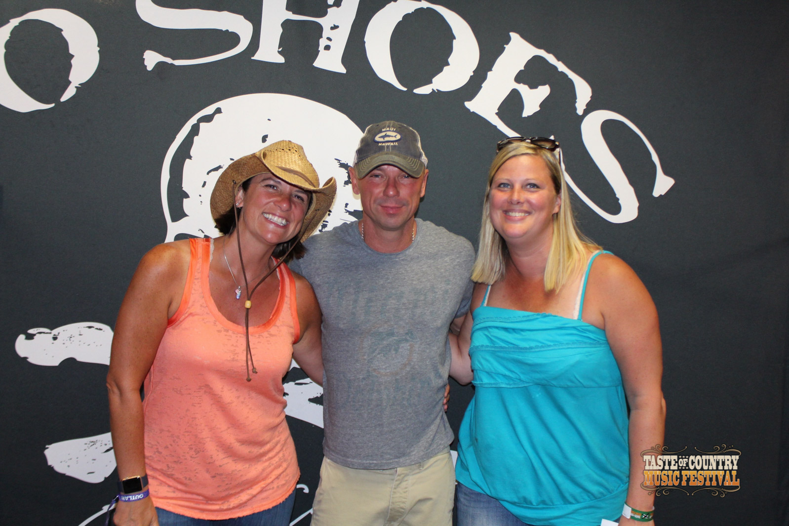 Photos meet and greet with kenny chesney taste of country m4hsunfo